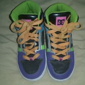 DC youth size 6